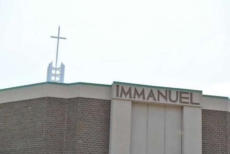 Immanuel Bible